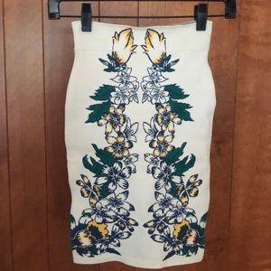 BCBG Caimbrie Tiger Lily Skirt Size XS